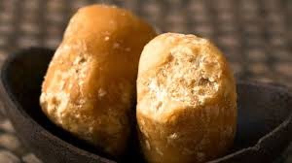 jaggery vs sugar