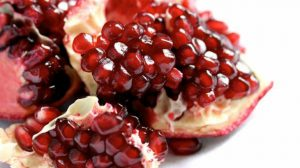 Pomegranate seed oil can treat skin problems like psoriasis and eczema
