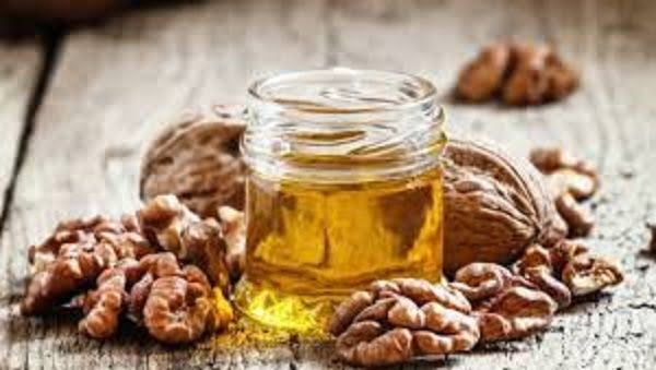 walnut oil benefits for eyes